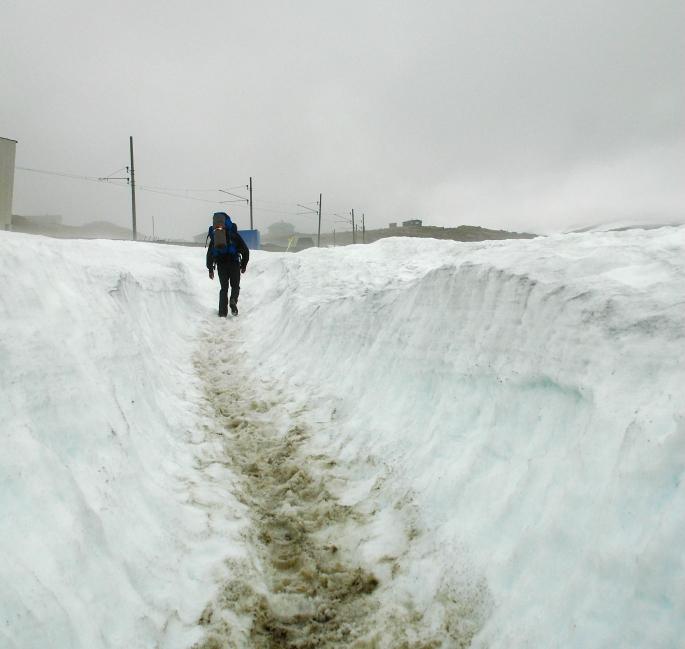 Mye snø på Finse 4. Juli